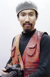 世界各地の戦場を取材してきた渡部さん(タウンニュース座間版ホームページより)