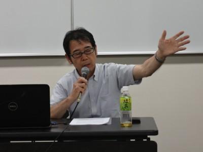 現地の様子を話す「ボランティアステーションin気仙沼」代表菊田忠衛さん