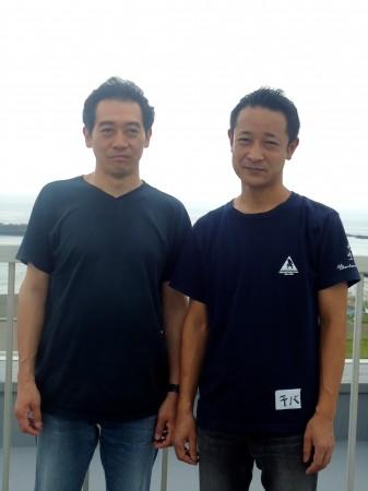 海辺のあらいぐまメンバーの千葉晃嗣さん(右)、丸田恵吾さん(左)=茅ヶ崎市で