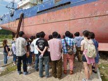2012年8月に宮城県気仙沼市を訪れたスタディツアー(SDCハート提供)